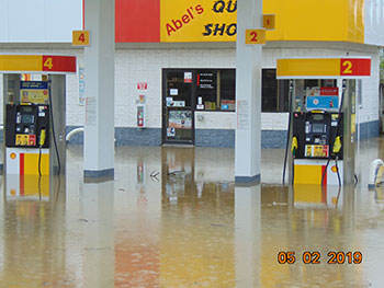 Flooding in Louisiana, Mo at Abels on Hwy 79